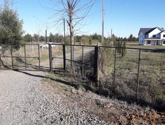 vende terreno con 2 casa camino a pinto km 14