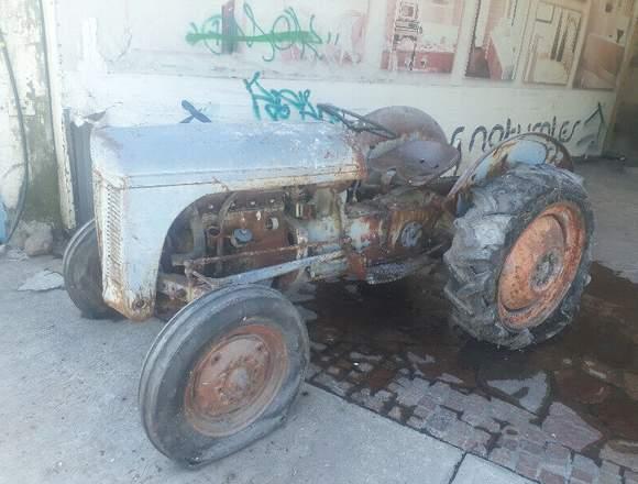 """Figura Tractor """"Harry Ferguson"""" de los años 30's"""