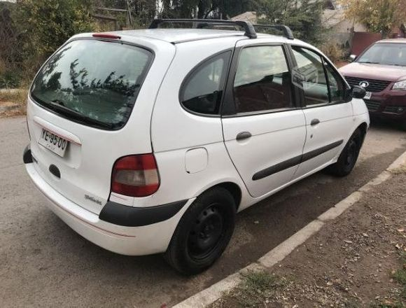 Renault Scenic año 2005 ,1.6 CC