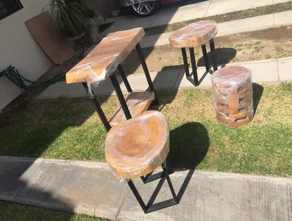 Juego de mesas herrería y madera y un banco - Anuto clasificados