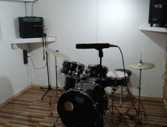 Concon studio: Sala de ensayo y escuela música