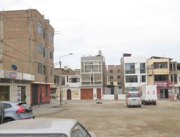 LOCAL COMERCIAL LAS BRISAS - CHICLAYO