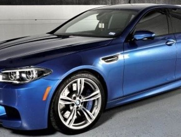 SUPPER CLEAN 2014 BMW M5 4DR SDN en EXCELENTES!