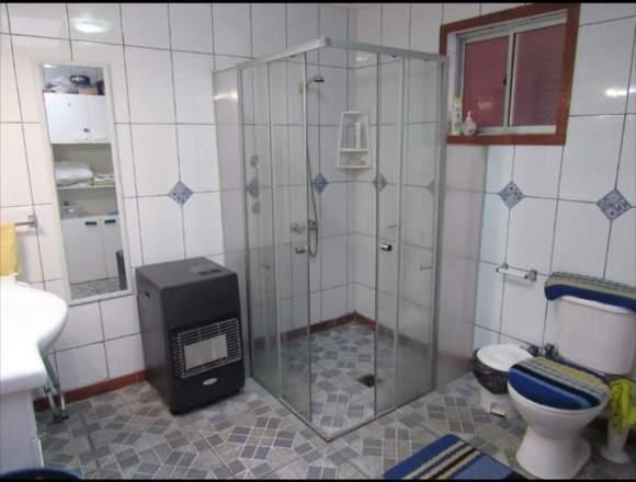 Vendo Casa grande 3 dormitorios y 2 baños.
