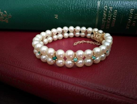Pulsera de oro compuesta de perlas cultivadas