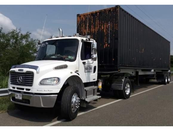 Tracto camión modelo m2 106, marca freightliner