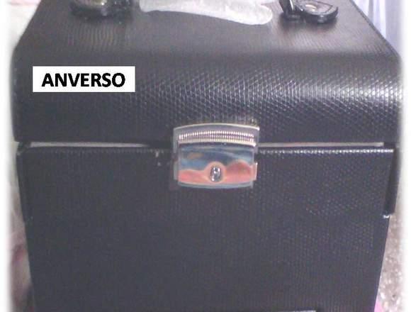 JOYERO CON VARIOS COMPARTIMIENTOS