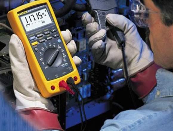 Técnico Electricista Domestico e Industriales