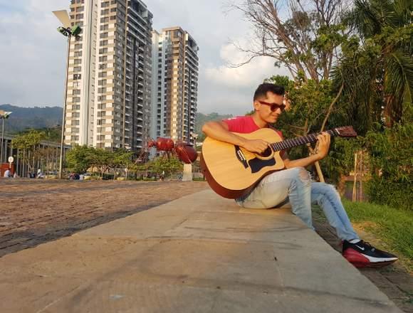 Clases de guitarra, canto y piano a domicilio