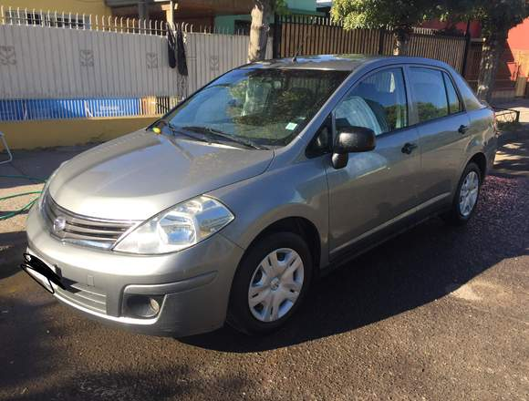 Vendo Nissan tiida sedan