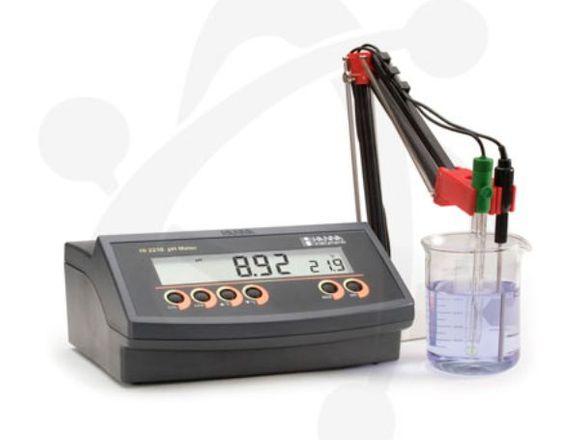 Medidor de pH/mV/Temperatura Prof.HI 2215 de mesa