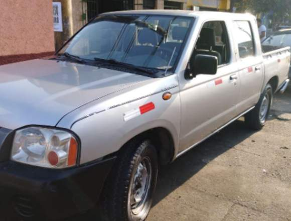 Nissan 4x2 2010 vende único dueño