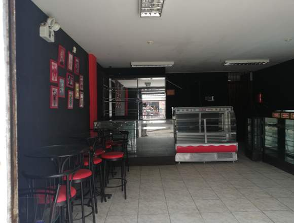 Se alquila o Traspasa local comercial