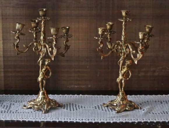 Candelabros de mesa en metal