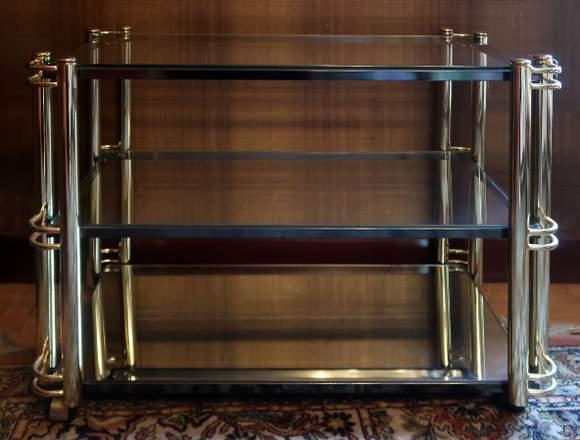 Una mesa de televisión rodante