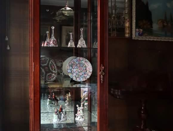 Vitrina armario expositora con luces