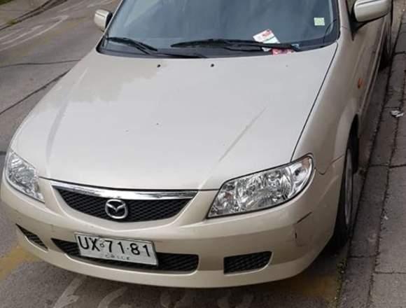 Se vende auto Mazda año 2001