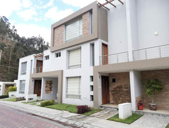 De Oportunidad - Casa en Venta - Locoa - Latacunga