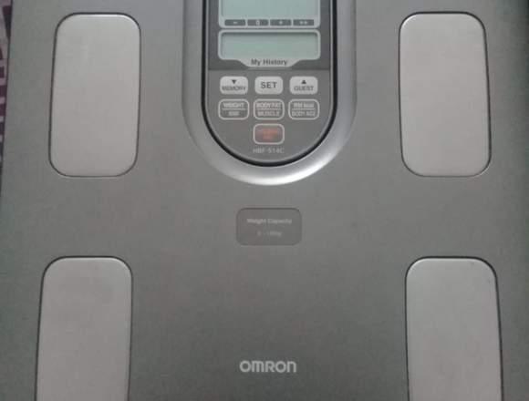Balanza de control crporal premium OMROM HBF-514C