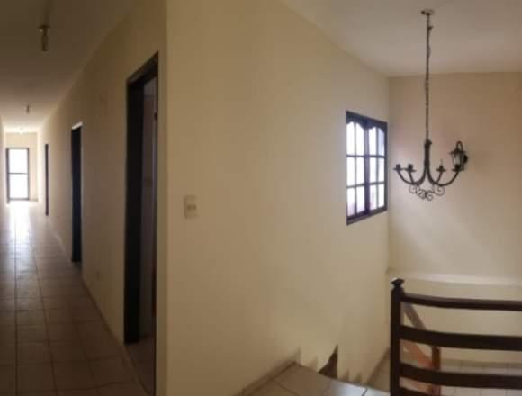 casa con 4 ambientes y 4 baños