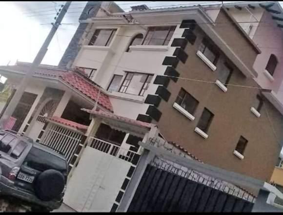 Casa de cuatro Departamentos