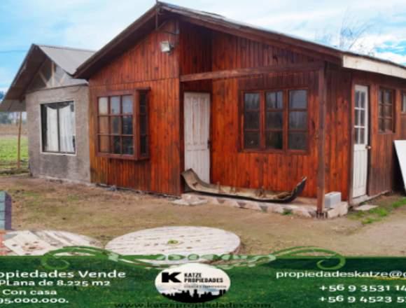Gran parcela agrícola con casa, en Huechún bajo.