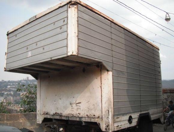 furgon de hierro y forrado en aluminio
