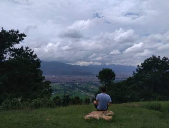 ESCUCHADOR Y ORIENTADOR EMOCIONAL.