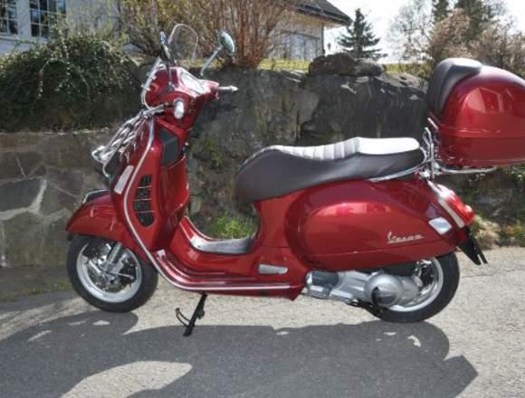 scooter VESPA GTS 300, año 2018