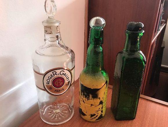 Juego de Tres Botellas Decorativas