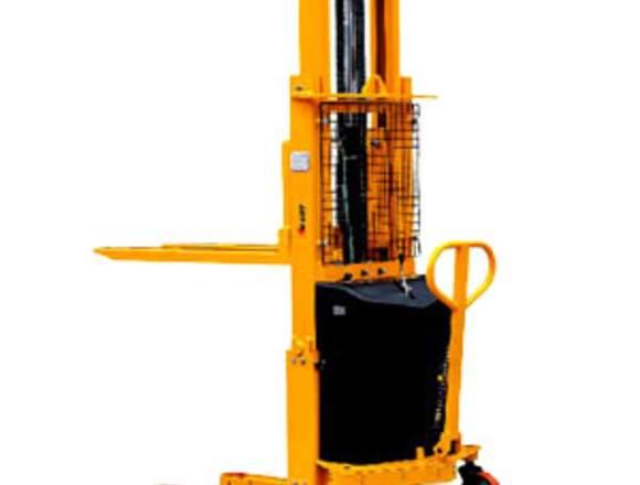 ApiladorSemi eléctrico1.5 tonelada Altura 4.5 Mtrs