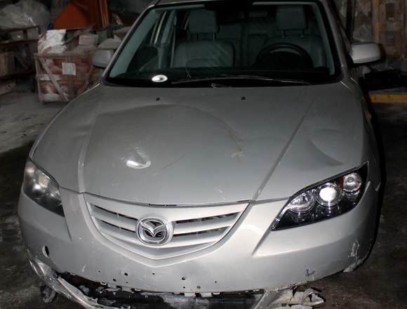 Se vende Mazda 3 Chocado.