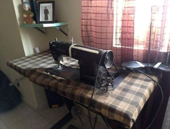 Maquina de coser Industrial recta marca Brother