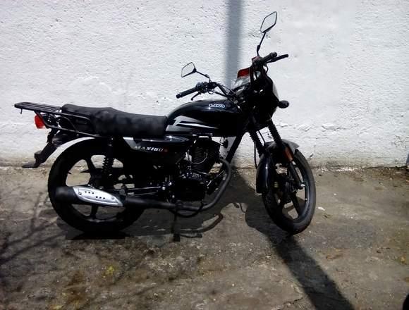 UM Max motor 150 Año 2013