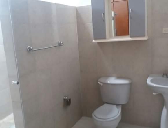 Casa en Av Ppal. El Castaño. LDC-026