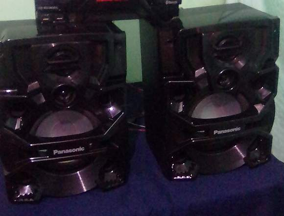 Equipo de sonido panasonic 2000 w rms