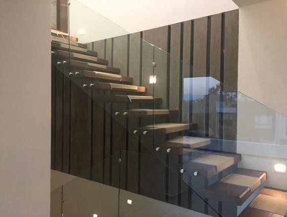 Casa nva, elegante, cómoda, diseño único, 3 niv