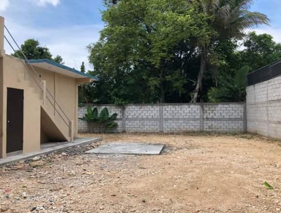 VENDO Casa de 5 habitaciones en Santa Elena Peten