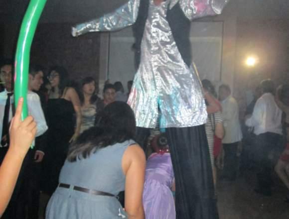 ZANQUEROS EN PUEBLA, zancos show: XV años