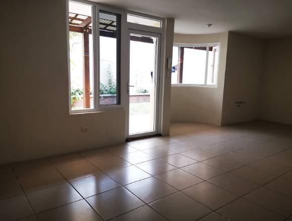 Casa en venta en Colonia Villas de San José, Mixco