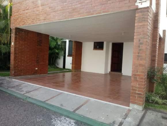 Casa en venta en Residenciales Buganvilias Zona 10