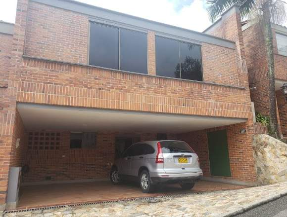 Venta hermosa casa en el Poblado sector las Santas