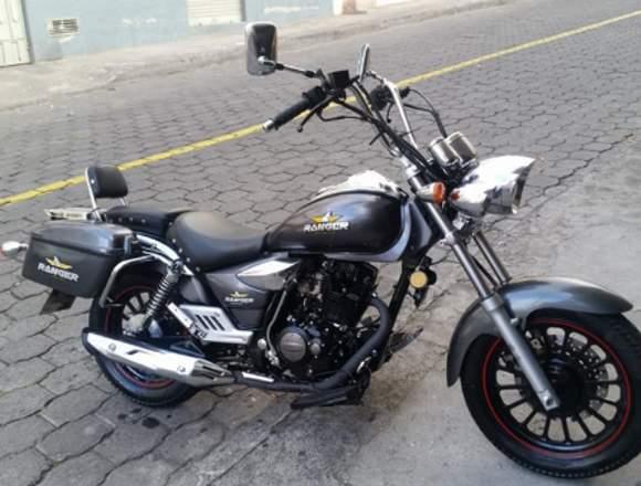 """Moto """"Clasica"""" Practicamente Nueva Unico Dueño"""