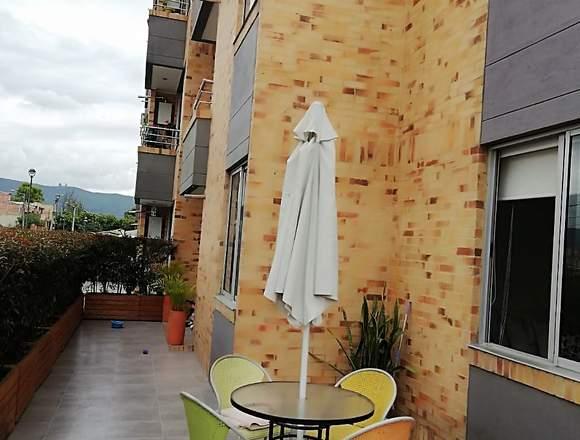 Apartamento con patio, 152 m2 total en Chia