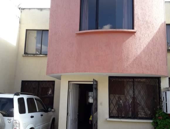 Bonita casa en Calderon