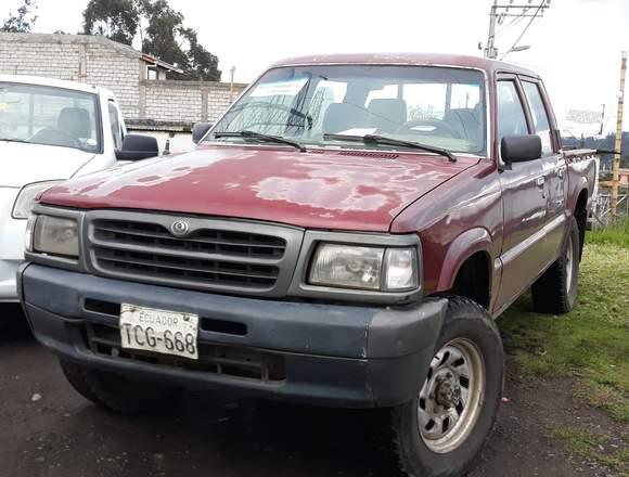 Vendo camioneta mazda B2600 4x4