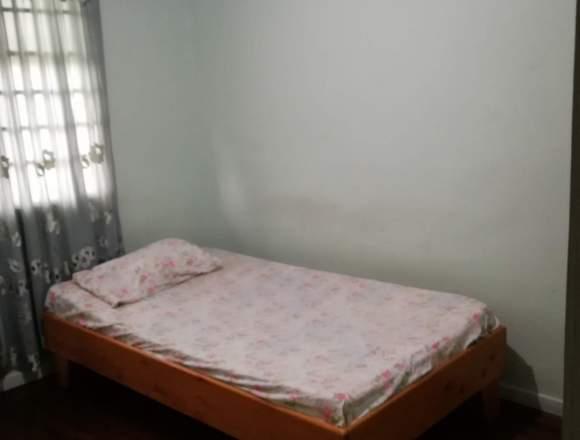 Se Alquila Habitación a estudiante (Mujer) o Sra.