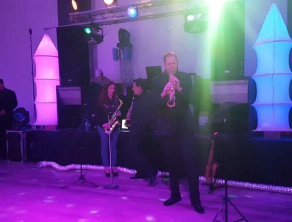 Cintas en Monterrey dj para bodas y xv años en Mo
