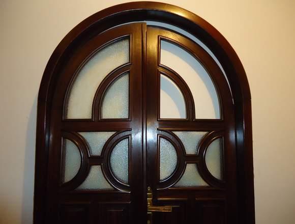 puerta caoba maciza con vidrio biselado doble arco