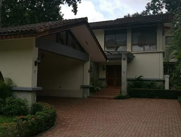 Vendo Casa de 425 m2 en Camino de Cruces.